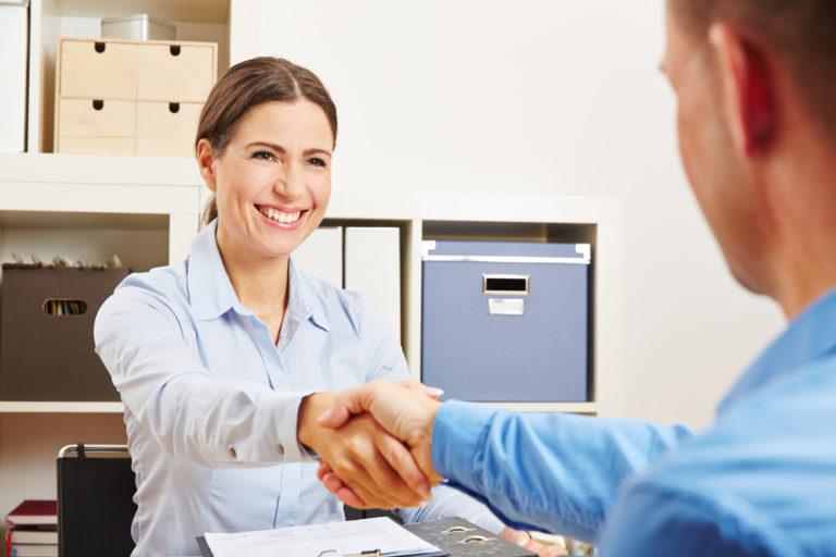 Gehaltsverhandlung als angestellter Zahnarzt und Assistenzzahnarzt